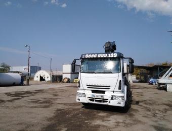 Камион с кран с товароносимост до 10 тона на Рем Транс ООД