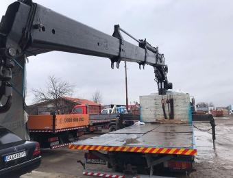 Камион-с-кран-с-товароносимост-до-15-тона-товар