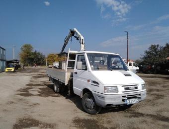 Камион с кран