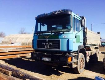 Камион за извозване на строителни отпадъци 1